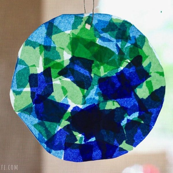 toddler art project Earth suncatcher
