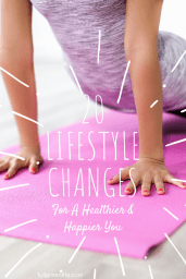 This list of 20 healthy lifestyle changes will give you inspiration you need to live your best life. Get happier and healthier, starting today! #healthylife #bekind #behappy #fullgreenlife