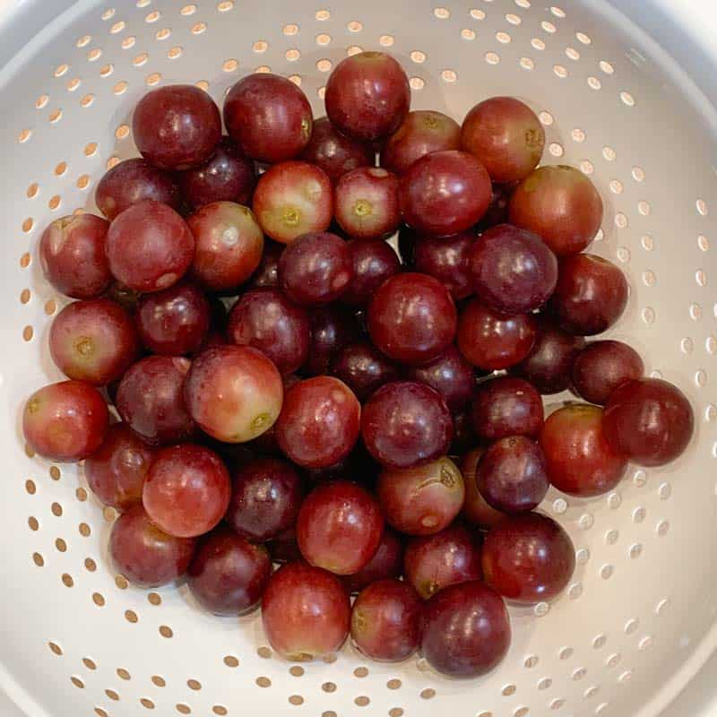 red grapes after being scrubbed w/salt and baking soda, then rinsed